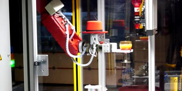 Mobiler Roboter Barkeeper